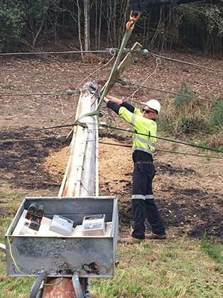 Newcastle Electrician disconnecting power from Ausgrid network