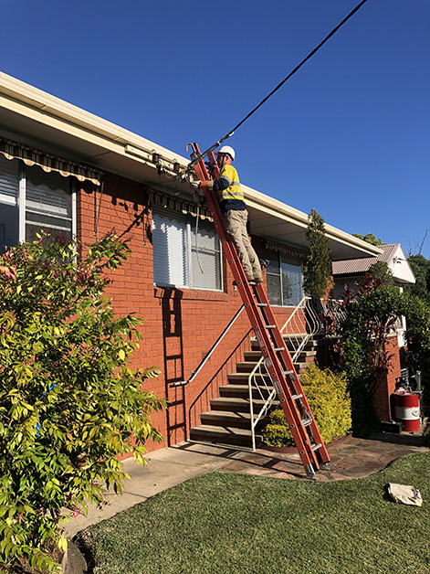 replacing blown electrical network barge fuse in Belmont